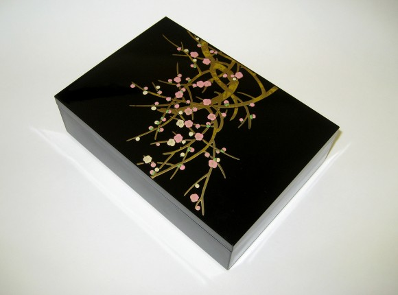 Kourinume (Red and White Plum Blossoms) 15cm Small Box